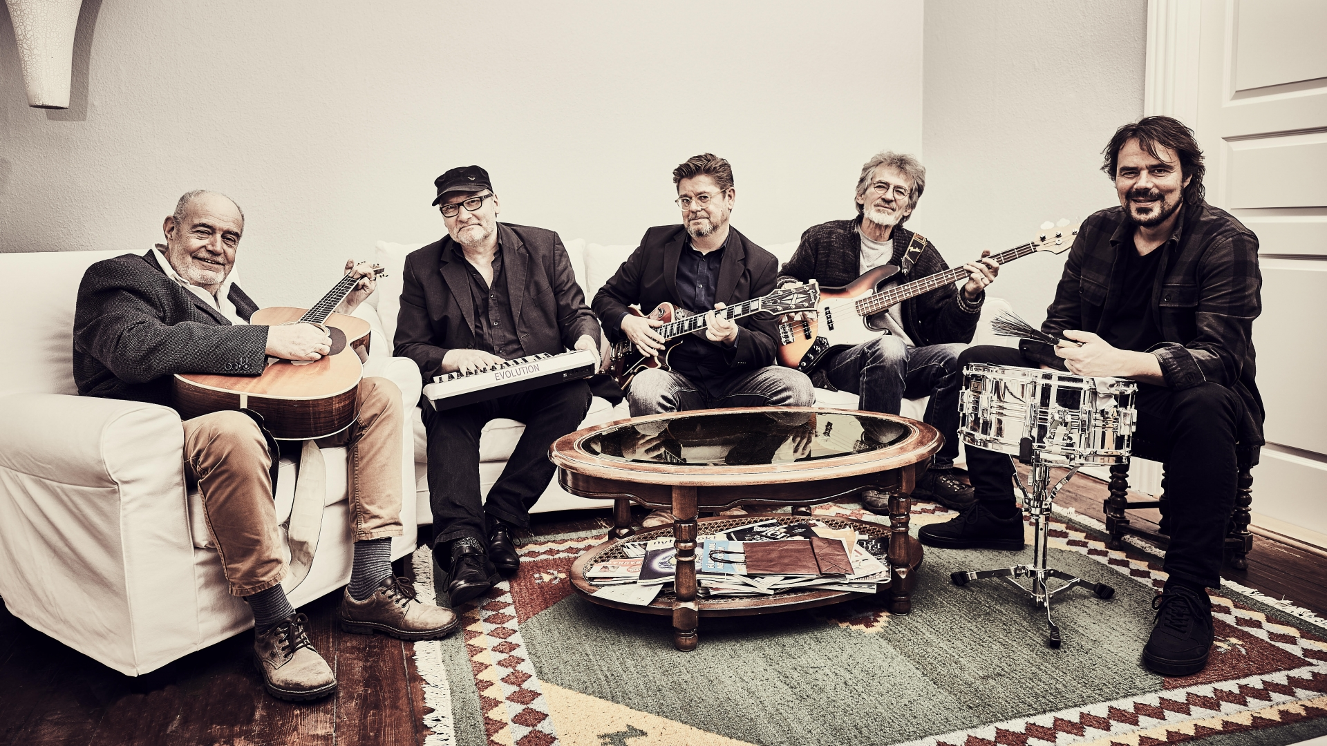 NY DATO: Koncert: Lasse Helner Band @ Industrien